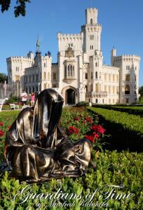 hluboka-castle--czech-republic-guardians-of-time-manfred-kili-kielnhofer-contemporary-fine-art-sculpture-statue-arts-design-modern-photography-6559y