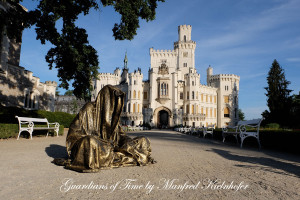 hluboka-castle--czech-republic-guardians-of-time-manfred-kili-kielnhofer-contemporary-fine-art-sculpture-statue-arts-design-modern-photography-artfund-artshow-pro-6648y